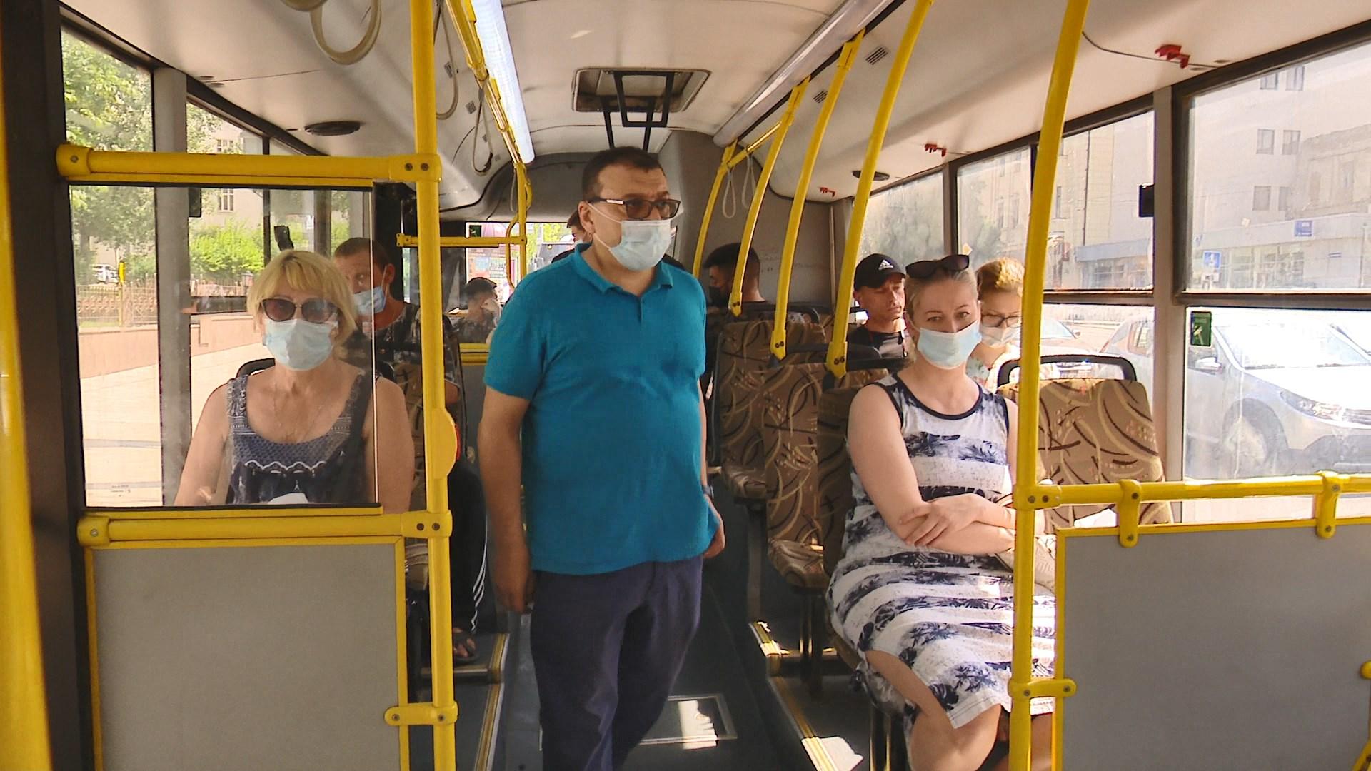 Восемь автобусов в Ростове сняли с линии за неработающие кондиционеры