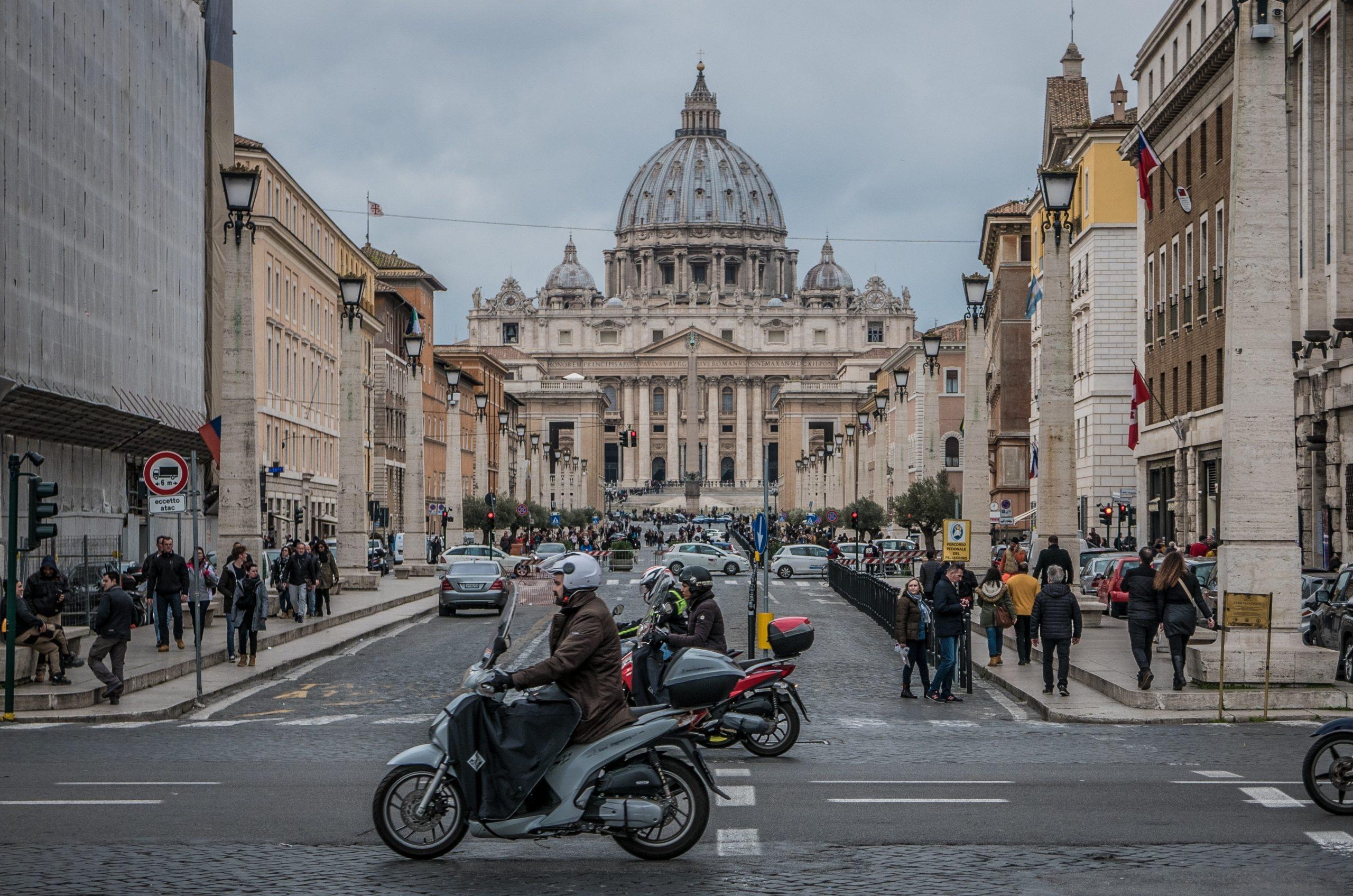 В Италии анонсировали отмену ношения масок на открытом воздухе
