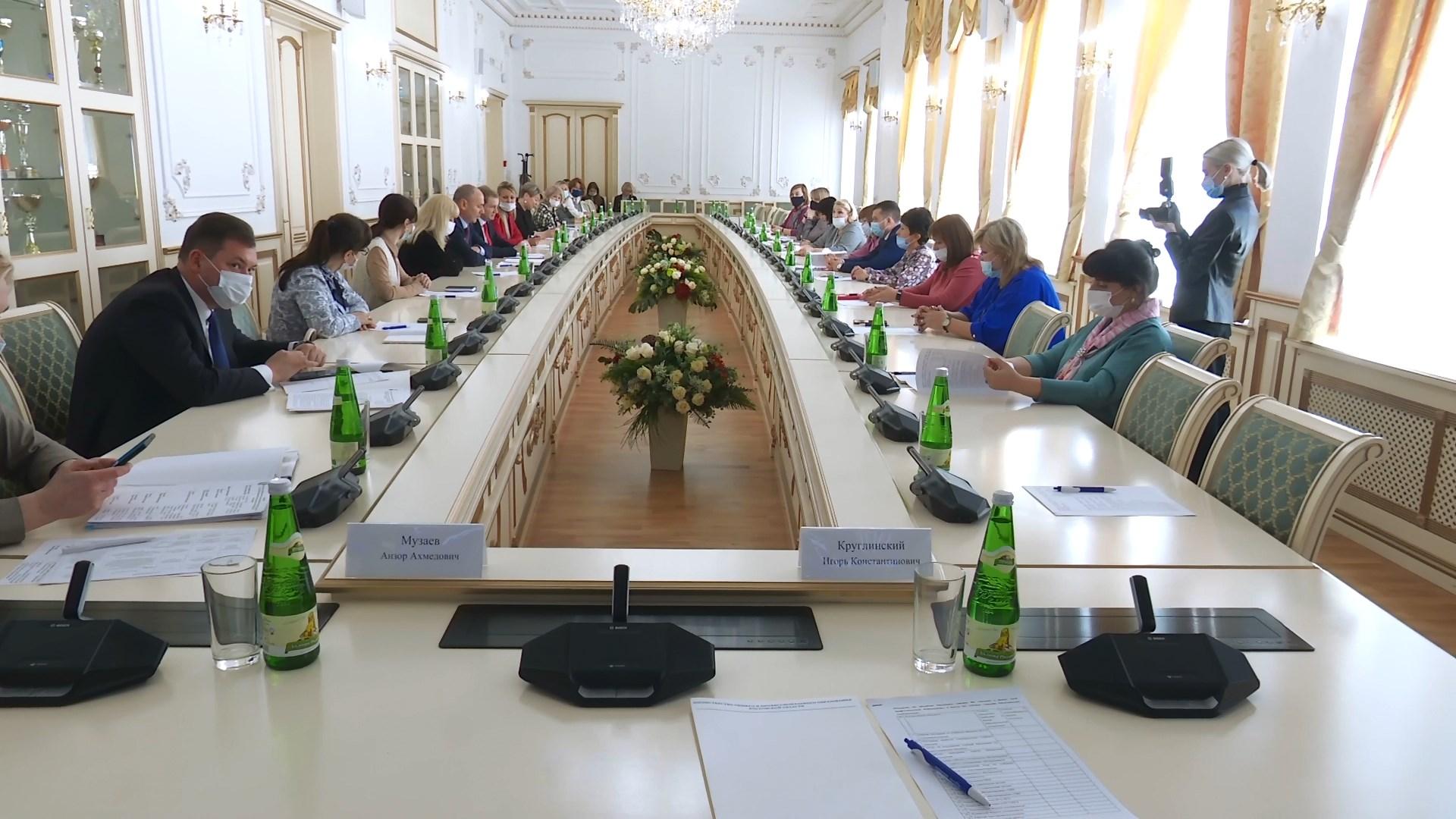 В Ростове обсудили, как сделать общественное наблюдение за ЕГЭ эффективнее