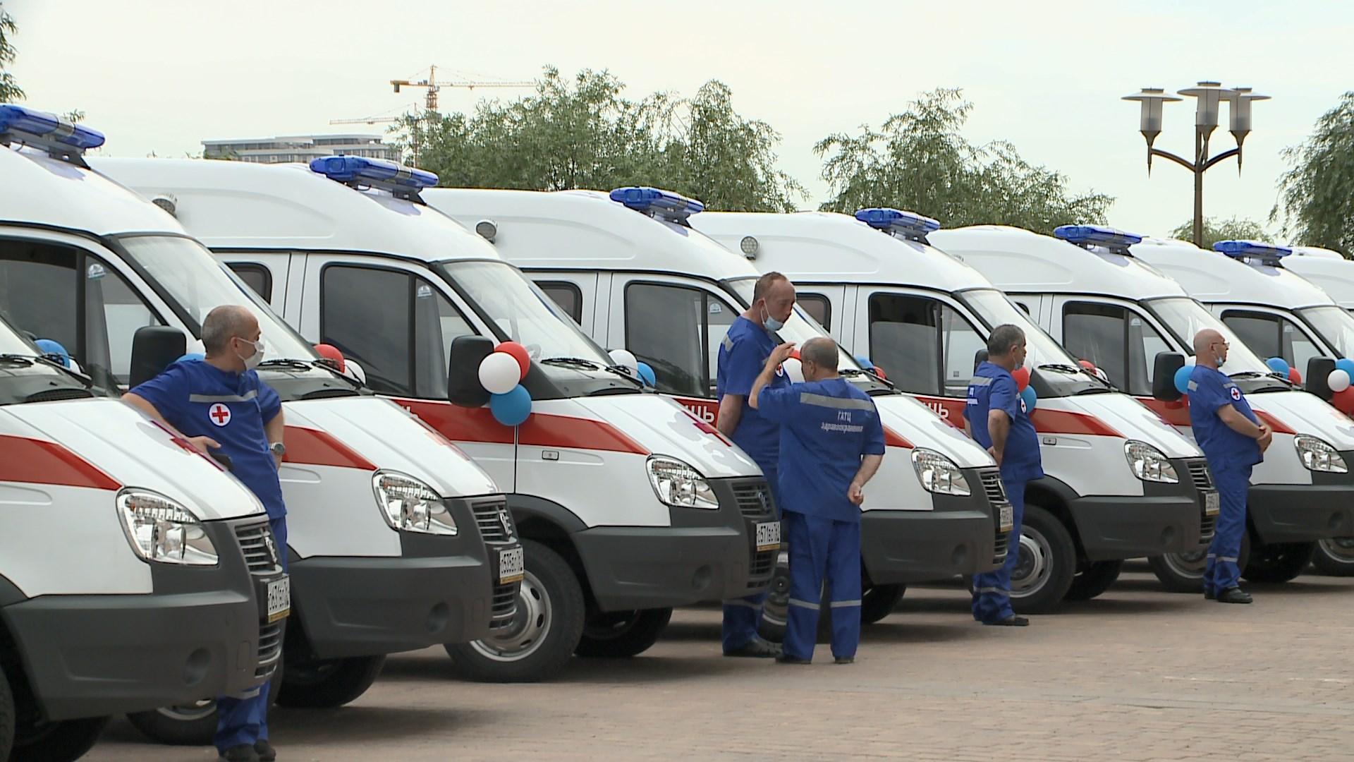 Автопарк машин скорой помощи обновили в Ростове-на-Дону